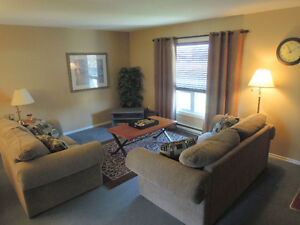 3 Bed Townhouse near Wharncliffe & Commissioners London Ontario image 5