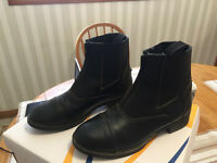 Auken horse riding boots, size 4, zipper front, black
