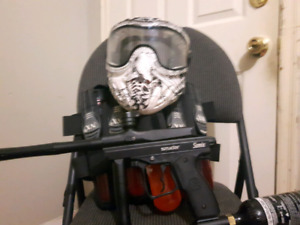 Paintball gun Sonix spider Mask and paintball belt