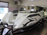 2014 Caravelle Razor E-Toon with 115 HP Mercury Outboard Motor