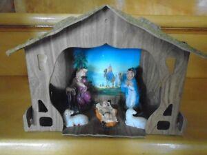 ancienne  crèche de Noel avec  5 personnages