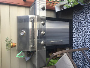 Kitchenaid outdoor grill with side burner