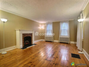Beautiful Century Home in Great Cambridge Location Near 401! Cambridge Kitchener Area image 5