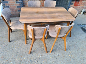 WOODEN Dining 🥀💯STYLISH DINNING TABLES AND CHAIRS AVAILABLE FOR SELL