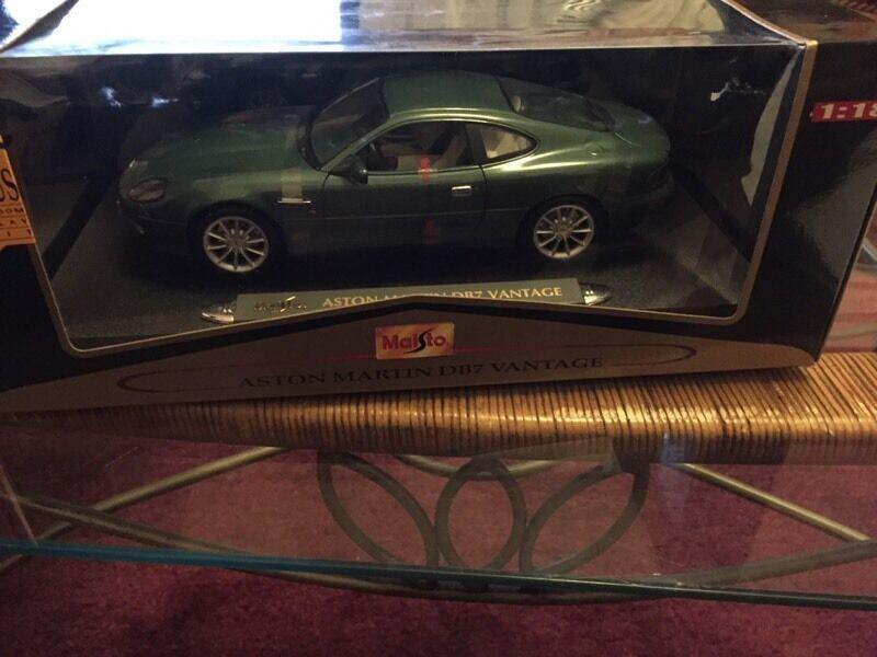 Aston Martin DB7 vantage 1/18 scale