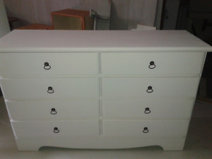 Chest of 8 drawers  , wooden white painted!delivery!