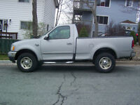 1999 4X4 Ford F-150 .XLT Coupe (2 door)