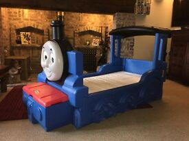 Thomas the tank toddler bed little tikes