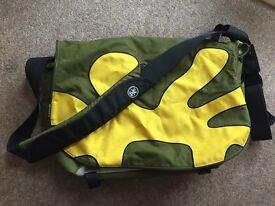 "Crumpler ""17 laptop messenger bag"