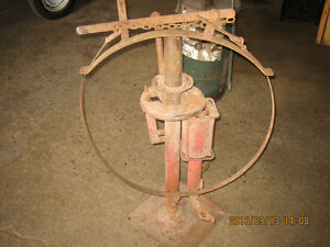 Rear end grease pump and tire changer