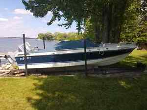 18 ft, 115 horsepower boat incl Rail system and cover Peterborough Peterborough Area image 5