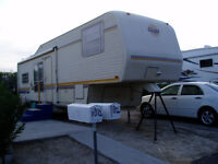 Snowbird Special 1990 Alfa Gold 5th Wheel