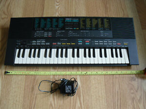 Yahama PortaSound PSS-480 PCM Piano Midi FM Keyboard Synthesizer