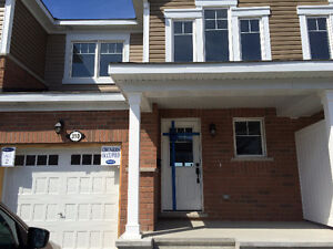 BARRHAVEN - TOWNHOME FOR RENT - AVALABLE JUNE 16