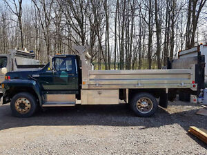 SELLING: Used 1994 Ford F-600