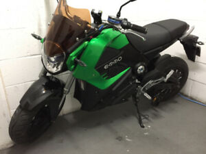 E-BIKE, EMMO  KNIGHT SPORT GREEN ..........NEW.........FOR SALES