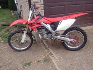 2007 honda crf 250r motocross bike VERY CLEAN!