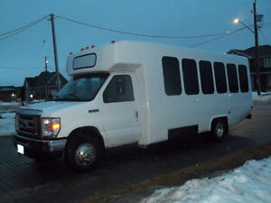 2012 Ford E-450 Diamond Shuttle Bus
