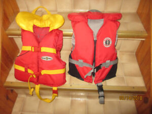 Children Life Jackets (Excellent condition) Top of the line