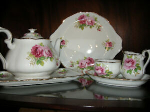American Beauty Dinner Set - Mint