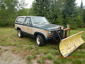 1984 Ford Bronco 4x4 with plow