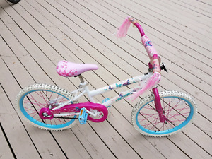 GIRL HUFFY 20 INCH BIKE