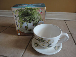 Brand new in box decorative large tea cup saucer planter pot London Ontario image 2