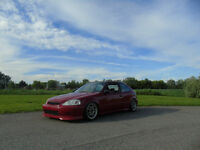 Honda Civic 1999 conversion 5 bolt etc beaucoup investi