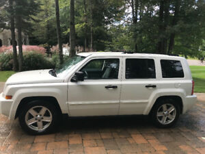 *****2007 Jeep Patriot Bas Mileage 4X4*********