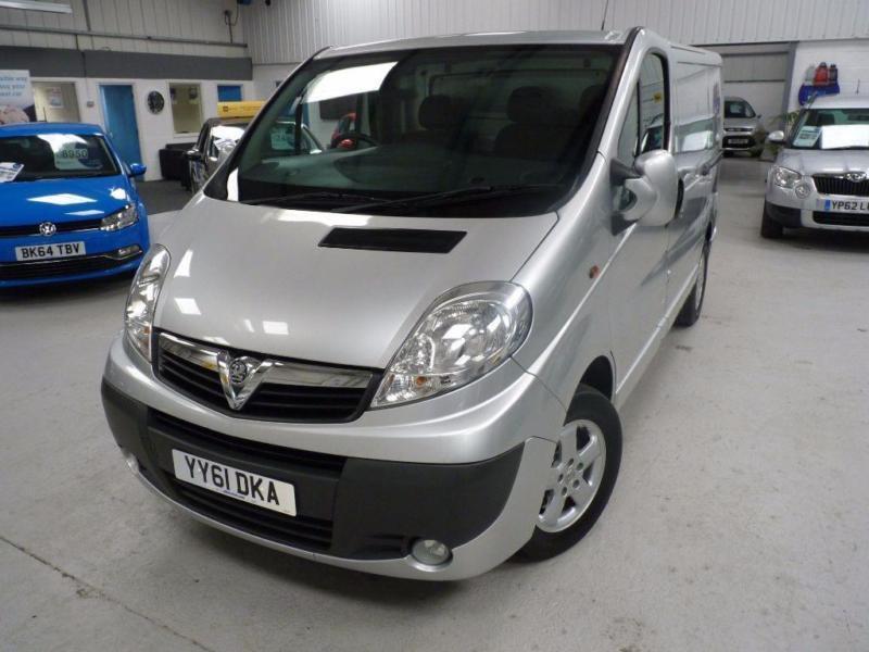 Vauxhall Vivaro 2700 CDTI SPORTIVE + FSH + JUST SVS + 1 OWNER