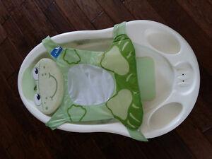 Bain de bébé de marque Safety first avec un thermometre intégré