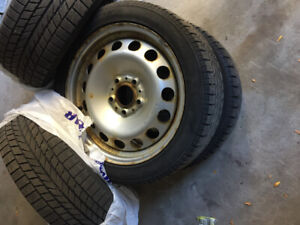 4 winter tires and rims very good condition  205/50/R17- $400