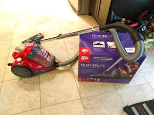 Cyclonic vacuum like new 75$ O.B.O.