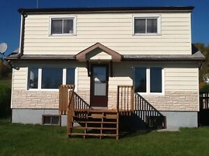 House for Rent in Whitefish WITH Garage!