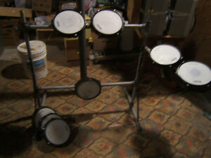 PRACTICE PAD DRUMS AND RACK