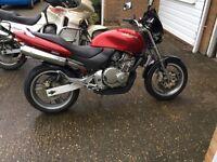 Honda CB250F Hornet