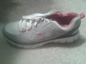 Ladies SKECHERS