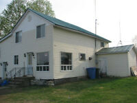 Cute Country Home =2 acres, barn, and amazing views in Lac-Brome