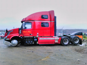 Parting out. 2015 Volvo truck