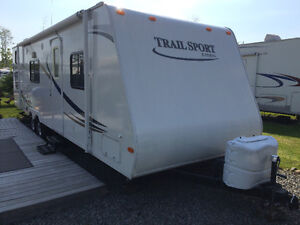 Roulotte Trail sport 27 pieds au camping Atlantide