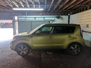 Very low km 2015 kia soul SX GDI, like new!!!