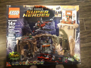 BNIB 2500 PCS LEGO DC COMICS BATMAN CAVE