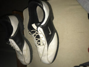Size 10.5 nike golf shoes