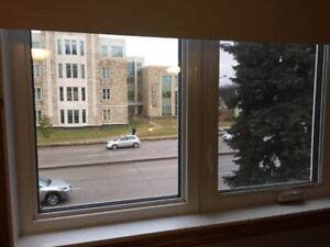 WALKING DISTANCE/DIRECTLY ACROSS COLLEGE DRIVE FROM U of S
