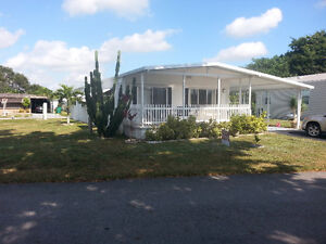 Mobile home Davie 24 x 60 need gone now!