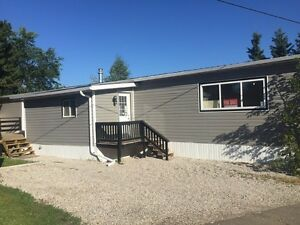 Beautiful mobile home in spruce grove