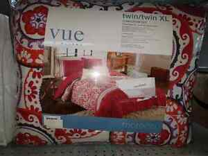 Vue by Ellery twin comforter set - new