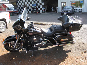 HARLEY DAVIDSON ELECTRA GLIDE CLASSIC VERY LOW MILEAGE Strathcona County Edmonton Area image 8