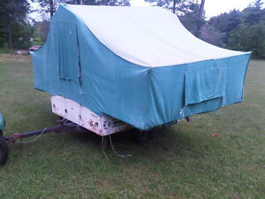 VINTAGE ROAD KNIGHT  CANADIAN TIRE TENT TRAILER