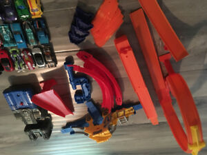 Hot wheels track with 20 hot wheels cars